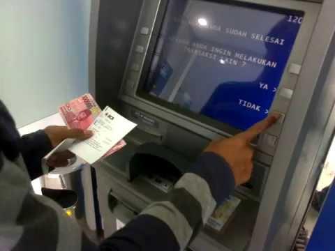 Berapa Biaya Tarik Tunai di ATM Bersama