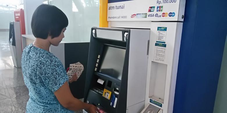 Langkah-langkah Mengambil Uang di ATM Plus Video